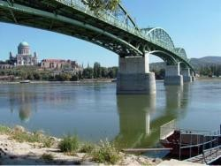 most Štúrovo
